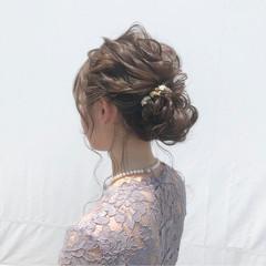 上品 パーティ 結婚式 シニヨン ヘアスタイルや髪型の写真・画像