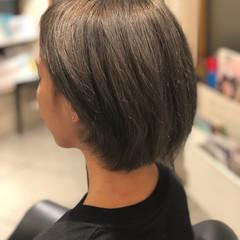 ストリート シルバー グレージュ ショート ヘアスタイルや髪型の写真・画像