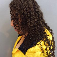 ツイスト 黒髪 ストリート ロング ヘアスタイルや髪型の写真・画像