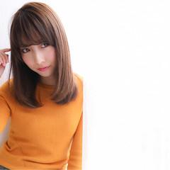 ナチュラル 小顔 セミロング 艶髪 ヘアスタイルや髪型の写真・画像