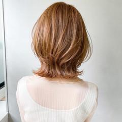 アンニュイほつれヘア ナチュラル オフィス 外ハネボブ ヘアスタイルや髪型の写真・画像