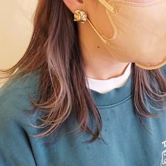シルバーアッシュ ミディアム モード インナーカラー ヘアスタイルや髪型の写真・画像