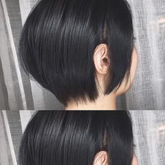 アウトドア 黒髪 ショート ナチュラル ヘアスタイルや髪型の写真・画像