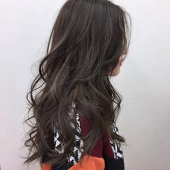 オフィス ハイライト ロング 冬 ヘアスタイルや髪型の写真・画像
