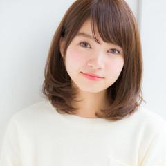 ミディアム 小顔 透明感 大人かわいい ヘアスタイルや髪型の写真・画像