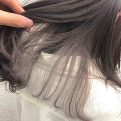 ガーリー ミルクティーベージュ ミルクティーグレージュ インナーカラー ヘアスタイルや髪型の写真・画像