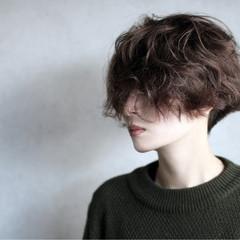 ショート ジェンダーレス 大人女子 かっこいい ヘアスタイルや髪型の写真・画像