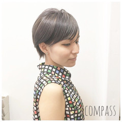 ショート グレージュ 外国人風カラー リラックス ヘアスタイルや髪型の写真・画像
