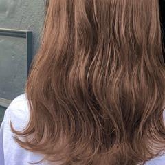 ヌーディベージュ シアーベージュ ブラウンベージュ セミロング ヘアスタイルや髪型の写真・画像