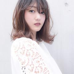 ミディアム 女子会 秋 大人かわいい ヘアスタイルや髪型の写真・画像