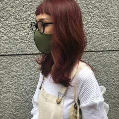 フェミニン チェリーレッド 韓国ヘア セミロング ヘアスタイルや髪型の写真・画像