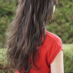 ロング 外国人風カラー グレージュ ブリーチなし ヘアスタイルや髪型の写真・画像