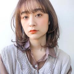ウルフカット レイヤーカット ゆるふわパーマ ナチュラル ヘアスタイルや髪型の写真・画像