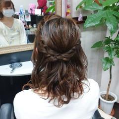 簡単ヘアアレンジ ナチュラル ふわふわヘアアレンジ ミディアム ヘアスタイルや髪型の写真・画像