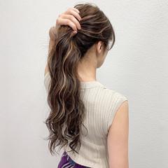 ミルクティー ハイライト コントラストハイライト ミルクティーベージュ ヘアスタイルや髪型の写真・画像