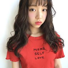 暗髪 大人かわいい フェミニン シースルーバング ヘアスタイルや髪型の写真・画像