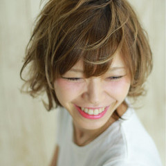 ショート アッシュ 外国人風カラー イルミナカラー ヘアスタイルや髪型の写真・画像