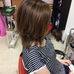 切りっぱなしボブ フェミニン ショートボブ ミディアム ヘアスタイルや髪型の写真・画像