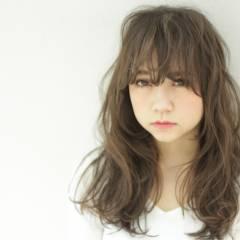 グラデーションカラー シースルーバング ガーリー ロング ヘアスタイルや髪型の写真・画像