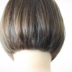 ピンクアッシュ ナチュラル ボブ 前下がり ヘアスタイルや髪型の写真・画像
