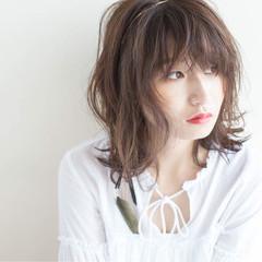 外国人風 フェミニン ヘアアレンジ アッシュ ヘアスタイルや髪型の写真・画像