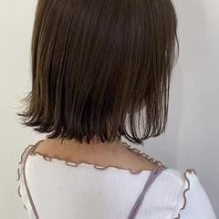 切りっぱなしボブ アッシュベージュ グレージュ ボブ ヘアスタイルや髪型の写真・画像