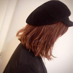 ミディアム 外ハネ ナチュラル デート ヘアスタイルや髪型の写真・画像