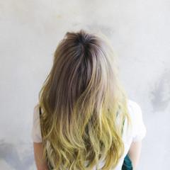 ミルクティーベージュ ショートボブ ナチュラル ブリーチオンカラー ヘアスタイルや髪型の写真・画像