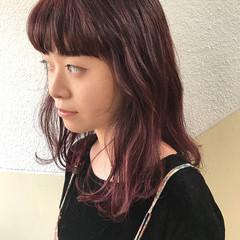簡単ヘアアレンジ ピンク ストリート ダブルカラー ヘアスタイルや髪型の写真・画像