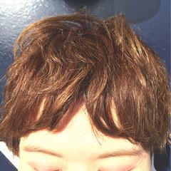 マッシュ くせ毛風 刈り上げ センター分け ヘアスタイルや髪型の写真・画像
