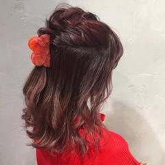 ピンク ミディアム ガーリー ヘアアレンジ ヘアスタイルや髪型の写真・画像