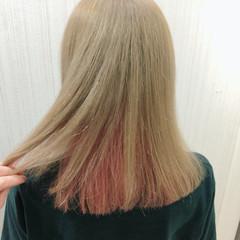ミディアム フェミニン ピンク ブリーチ ヘアスタイルや髪型の写真・画像