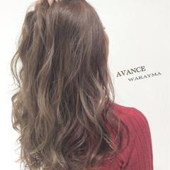 ストリート ロング イルミナカラー ウェーブ ヘアスタイルや髪型の写真・画像