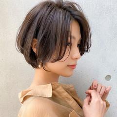 ナチュラル 毛先パーマ 大人かわいい ショート ヘアスタイルや髪型の写真・画像