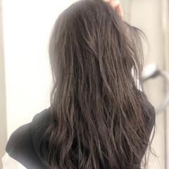 ナチュラル グレーアッシュ グレージュ イルミナカラー ヘアスタイルや髪型の写真・画像