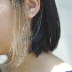 アウトドア グレージュ ボブ フェミニン ヘアスタイルや髪型の写真・画像