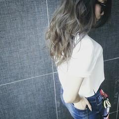 グレージュ アッシュ ストリート 外国人風 ヘアスタイルや髪型の写真・画像