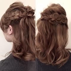 簡単ヘアアレンジ 外国人風 ミディアム ハーフアップ ヘアスタイルや髪型の写真・画像