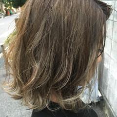 ハイライト シルバーアッシュ 外国人風 ボブ ヘアスタイルや髪型の写真・画像