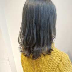 アッシュグレージュ ミディアム インナーカラー アッシュ ヘアスタイルや髪型の写真・画像