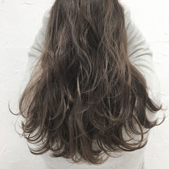 ヘアアレンジ グレージュ セミロング アッシュ ヘアスタイルや髪型の写真・画像