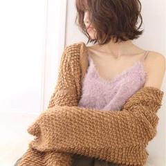 秋 フェミニン デート ミディアム ヘアスタイルや髪型の写真・画像