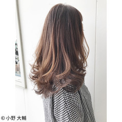 アンニュイ 透明感 グラデーションカラー ミディアム ヘアスタイルや髪型の写真・画像