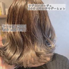 グレージュ ナチュラル デート カーキアッシュ ヘアスタイルや髪型の写真・画像