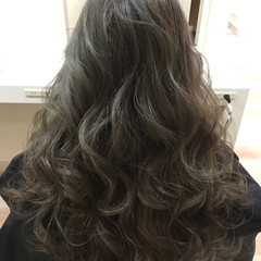 暗髪 ハイライト グラデーションカラー ナチュラル ヘアスタイルや髪型の写真・画像