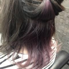 ラベンダー ミディアム インナーカラー ストリート ヘアスタイルや髪型の写真・画像