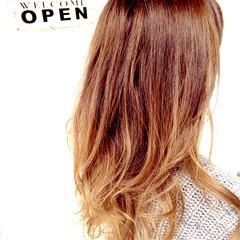 かわいい アッシュグラデーション 巻き髪 グラデーションカラー ヘアスタイルや髪型の写真・画像