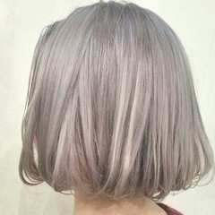 ホワイト 外国人風 モード ハイトーン ヘアスタイルや髪型の写真・画像