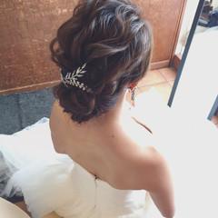 セミロング ゆるふわ 結婚式 大人かわいい ヘアスタイルや髪型の写真・画像