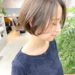 デート ショート ゆるふわ オフィス ヘアスタイルや髪型の写真・画像